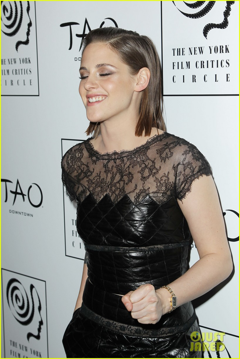 Kristen Stewart Wins Best Supporting Actress at New York Film Critics  Circle Awards 2015!: Photo 3543239 | 2015 New York Film Critics Circle  Awards, Julianne Moore, Kristen Stewart, Susan Sarandon Pictures