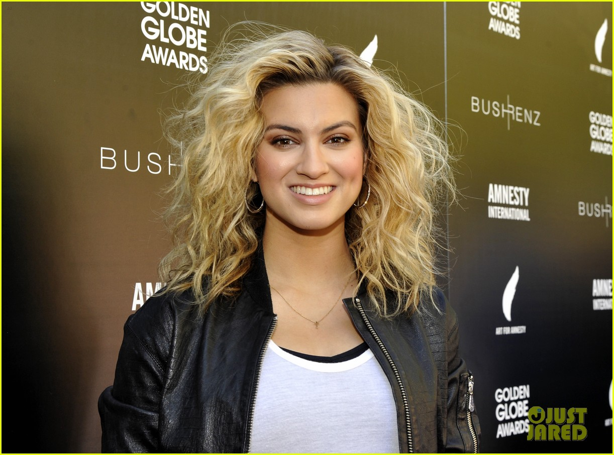 Tori Kelly Andra Day Step Out For Art Of Amnestys Recognition