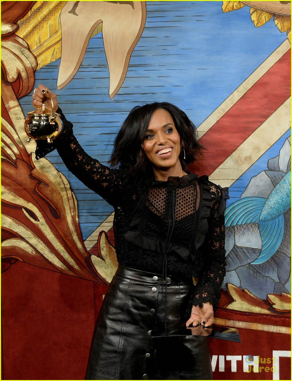 kerry washington throws pie at fake donald trump s face at kerry washington throws pie at fake donald trump s face at harvard s hasty pudding event