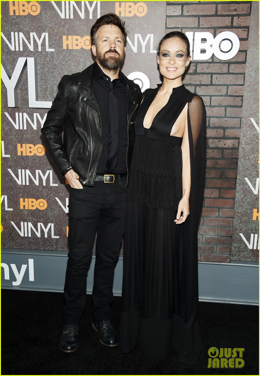 olivia wilde juno temple bobby cannavale support their series 39 vinyl 39 at nyc premiere photo. Black Bedroom Furniture Sets. Home Design Ideas