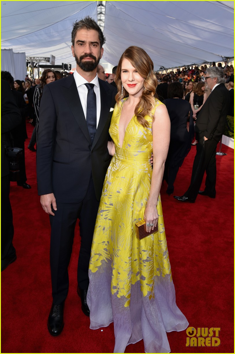 finn wittrock hamish linklater lily rabe sag awards 2016 013564845