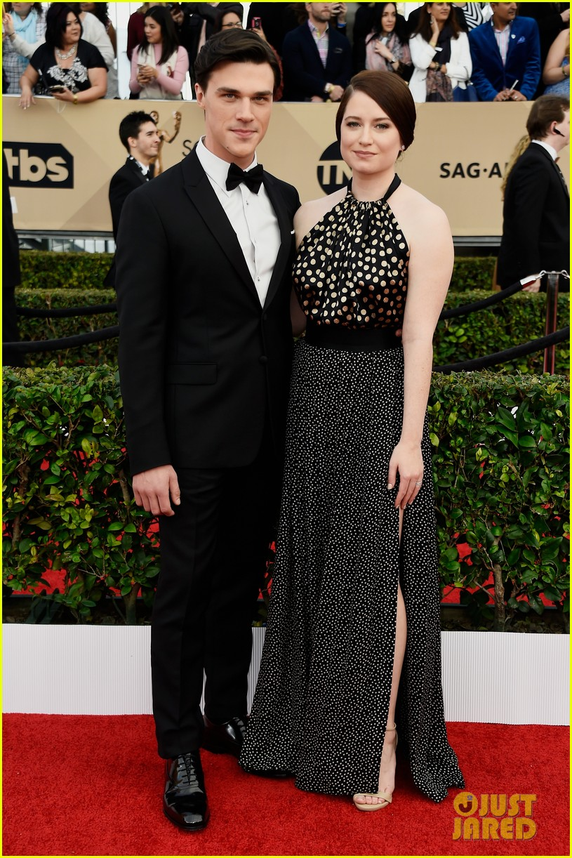 finn wittrock hamish linklater lily rabe sag awards 2016 053564849