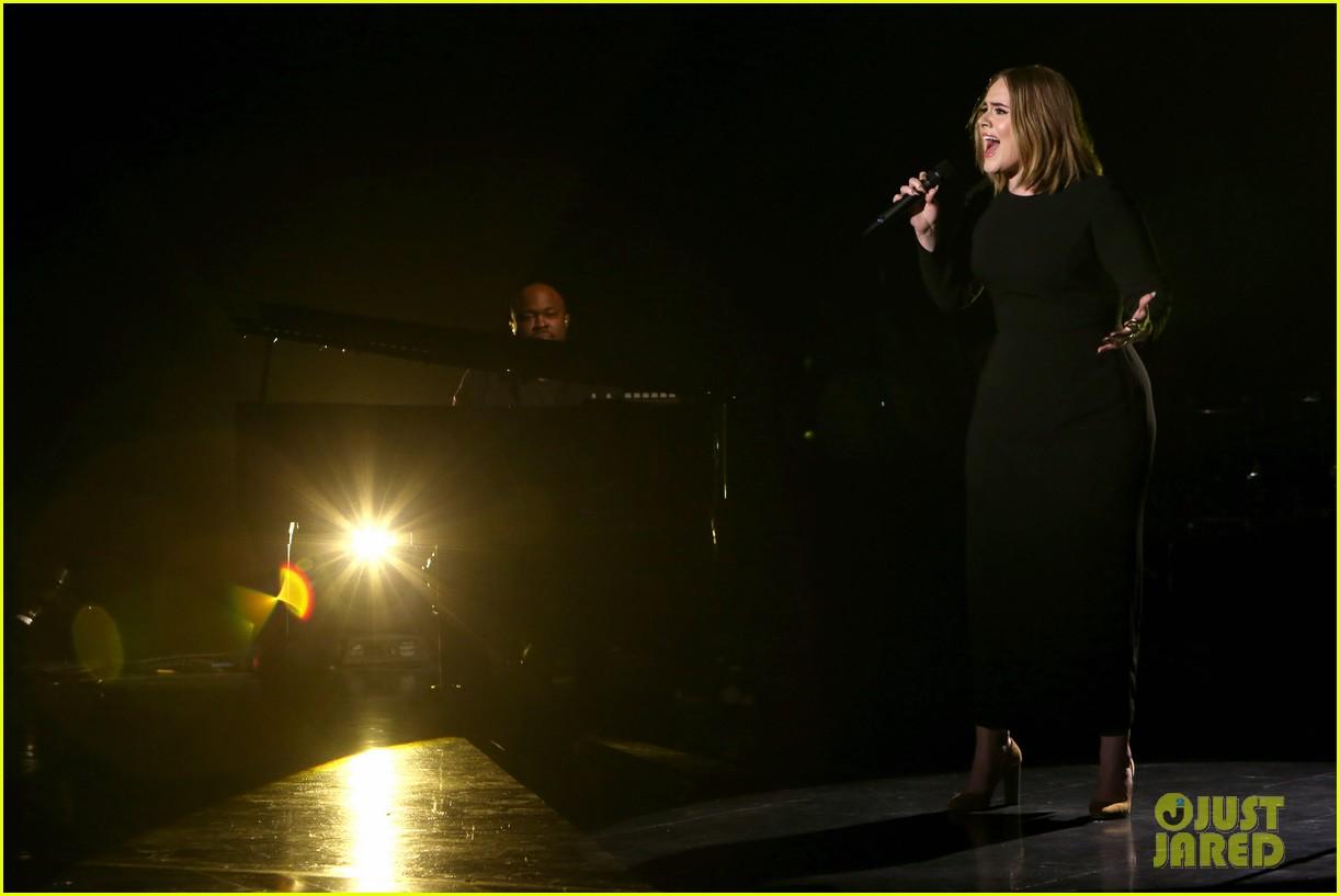 adele sings when we were young on ellen 013583030