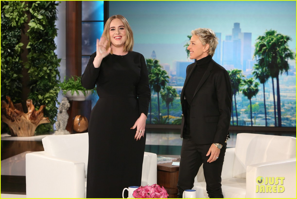 adele sings when we were young on ellen 063583035