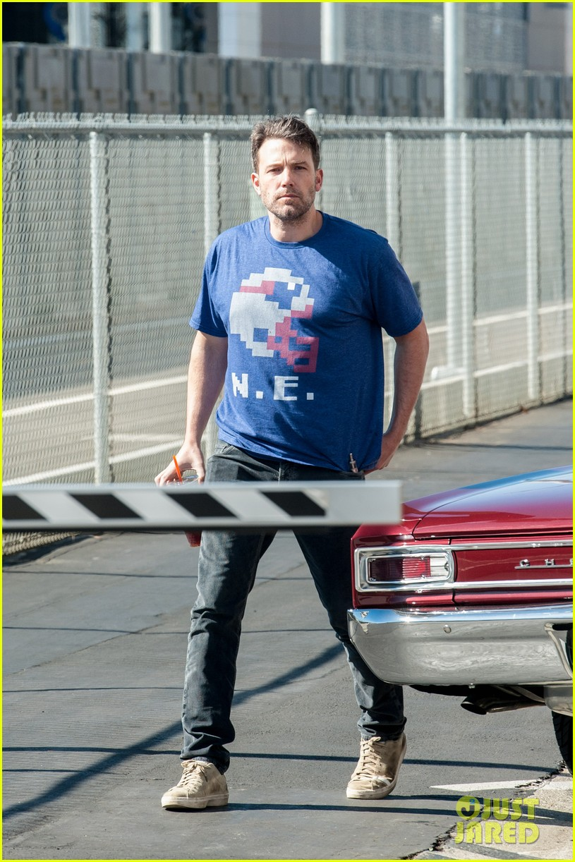 ben affleck casual coffee run 153585029