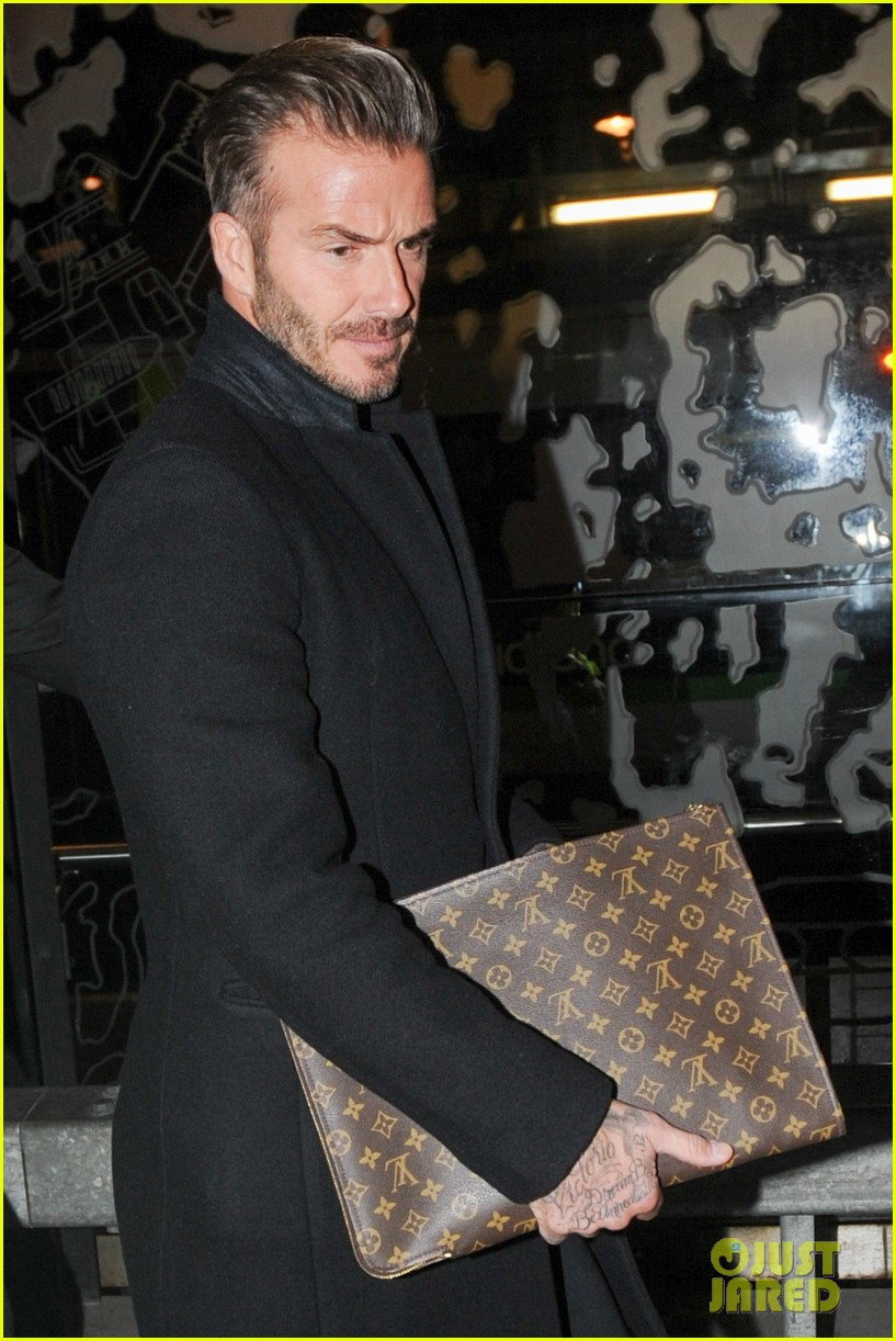 david beckham carries his louis vuitton 013586136