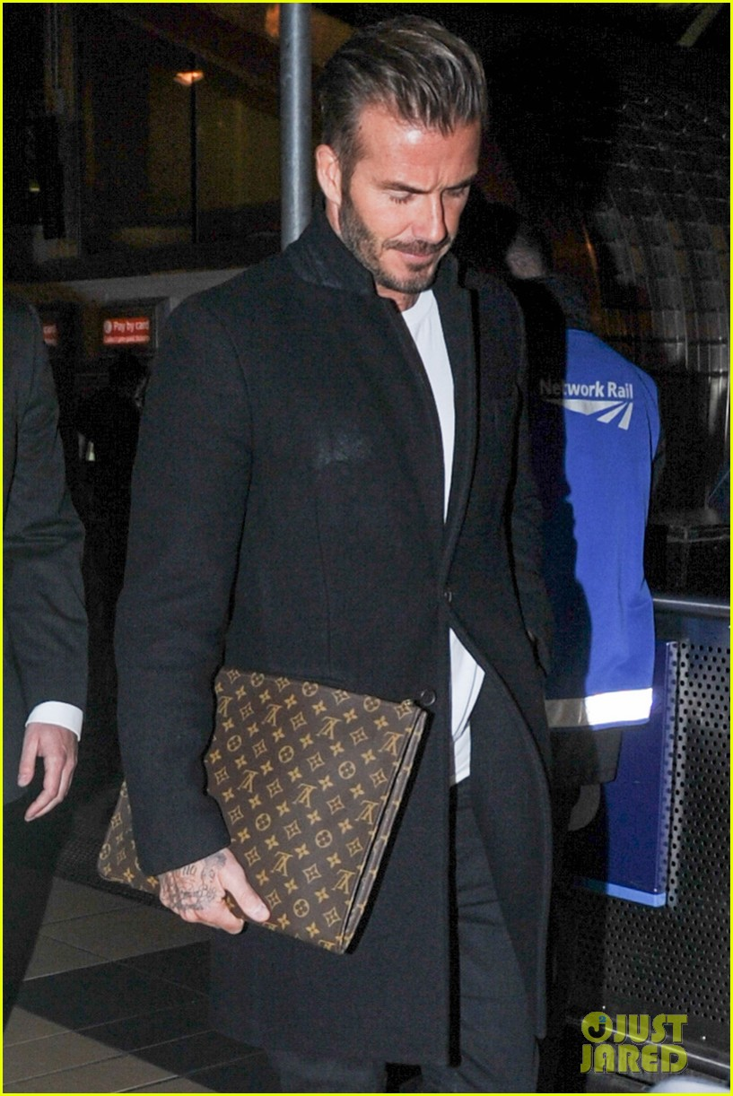 david beckham carries his louis vuitton 053586140