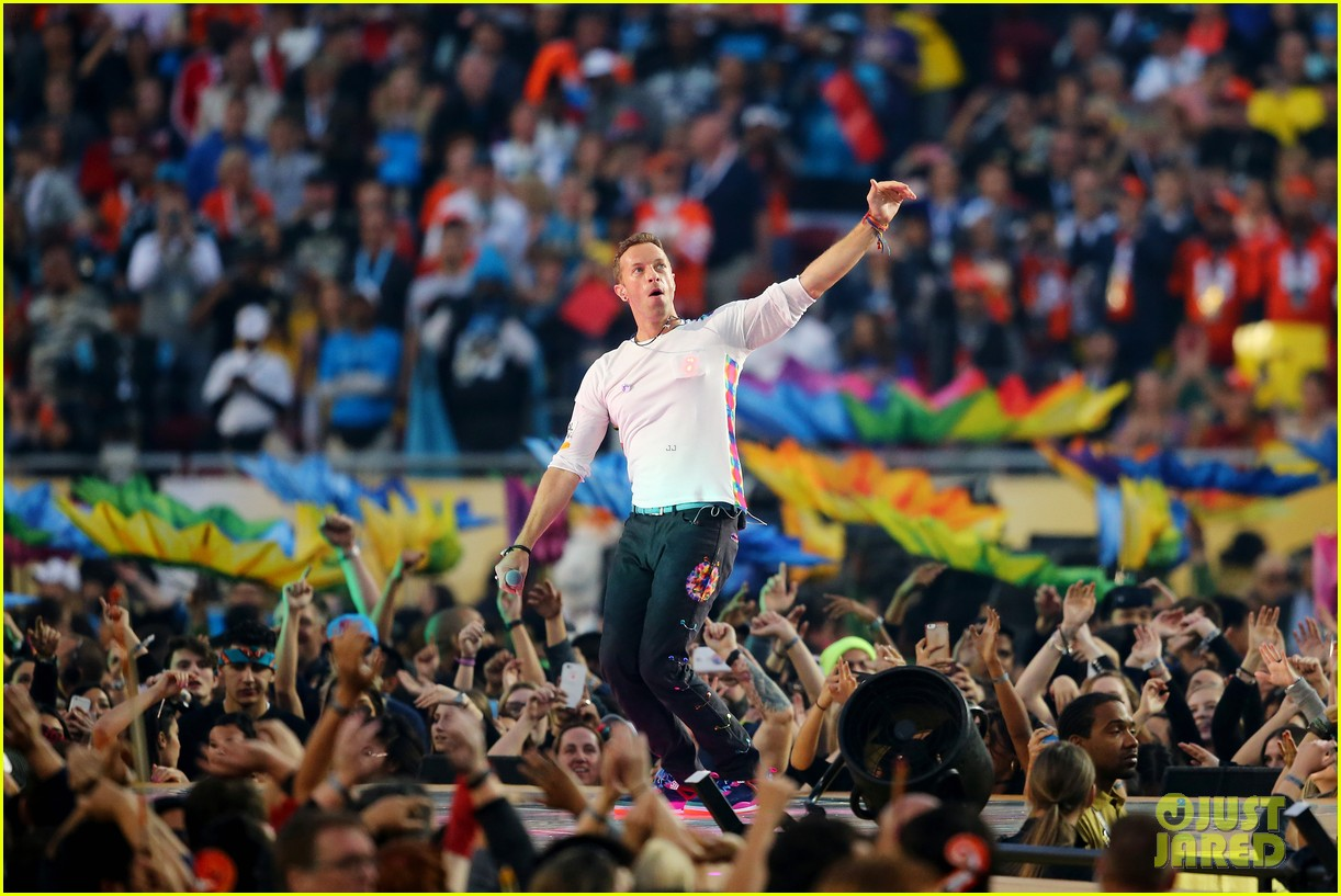coldplay super bowl halftime show 2016 video watch now. Black Bedroom Furniture Sets. Home Design Ideas