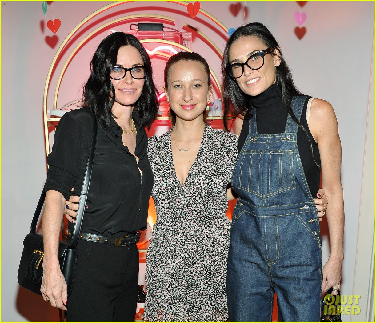 courteney cox kate hudson demi moore help jennifer meyer celebrate superga xo 483573903