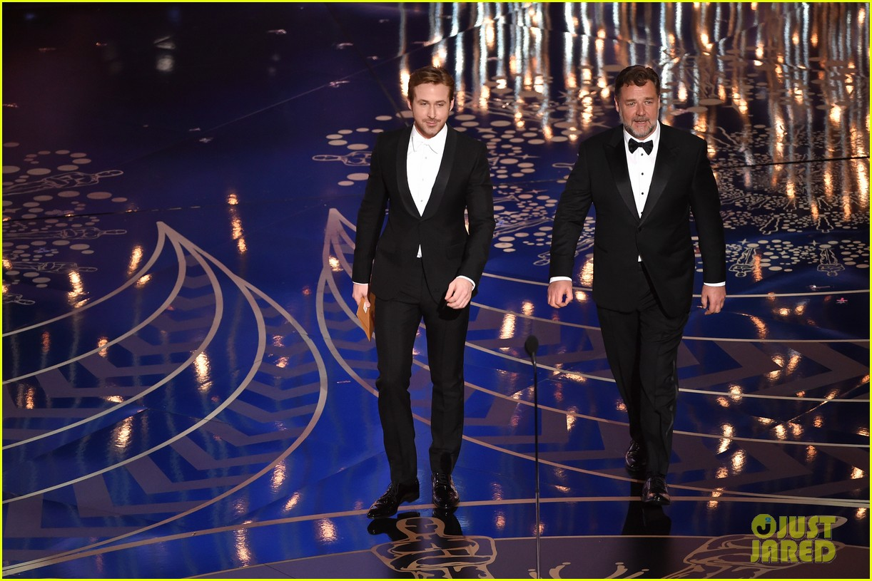 nice guys ryan gosling russell crowe present at oscars 2016 watch here 073592413