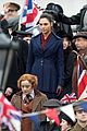 gal gadot filming wonder woman london trafalgar square 02