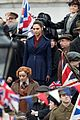 gal gadot filming wonder woman london trafalgar square 04