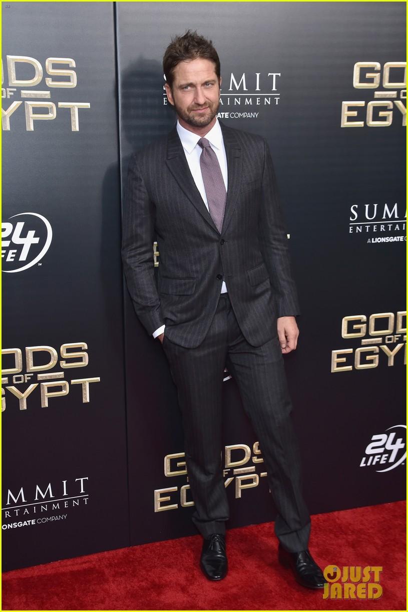 gerard butler nikolaj coster waldau gods egypt premiere nyc 203588242