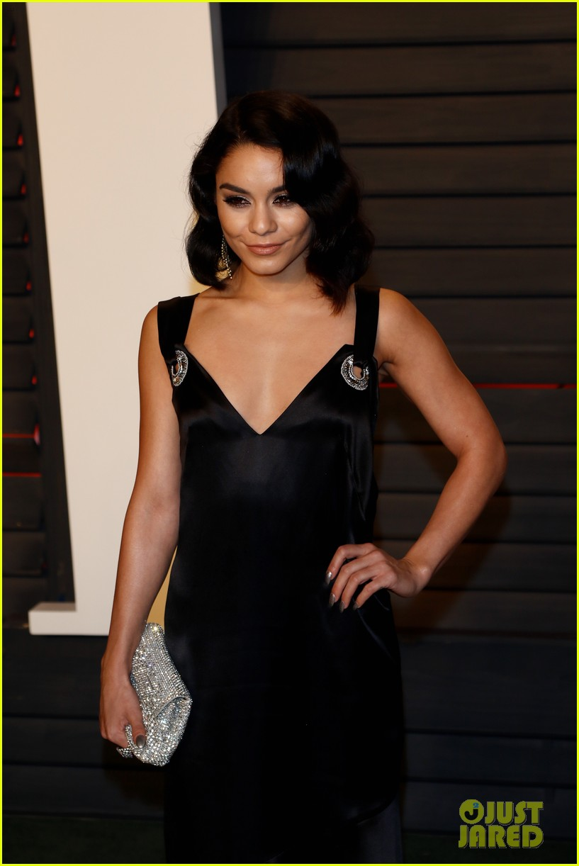 vanessa hudgens vanity fair oscar party austin butler 033593244