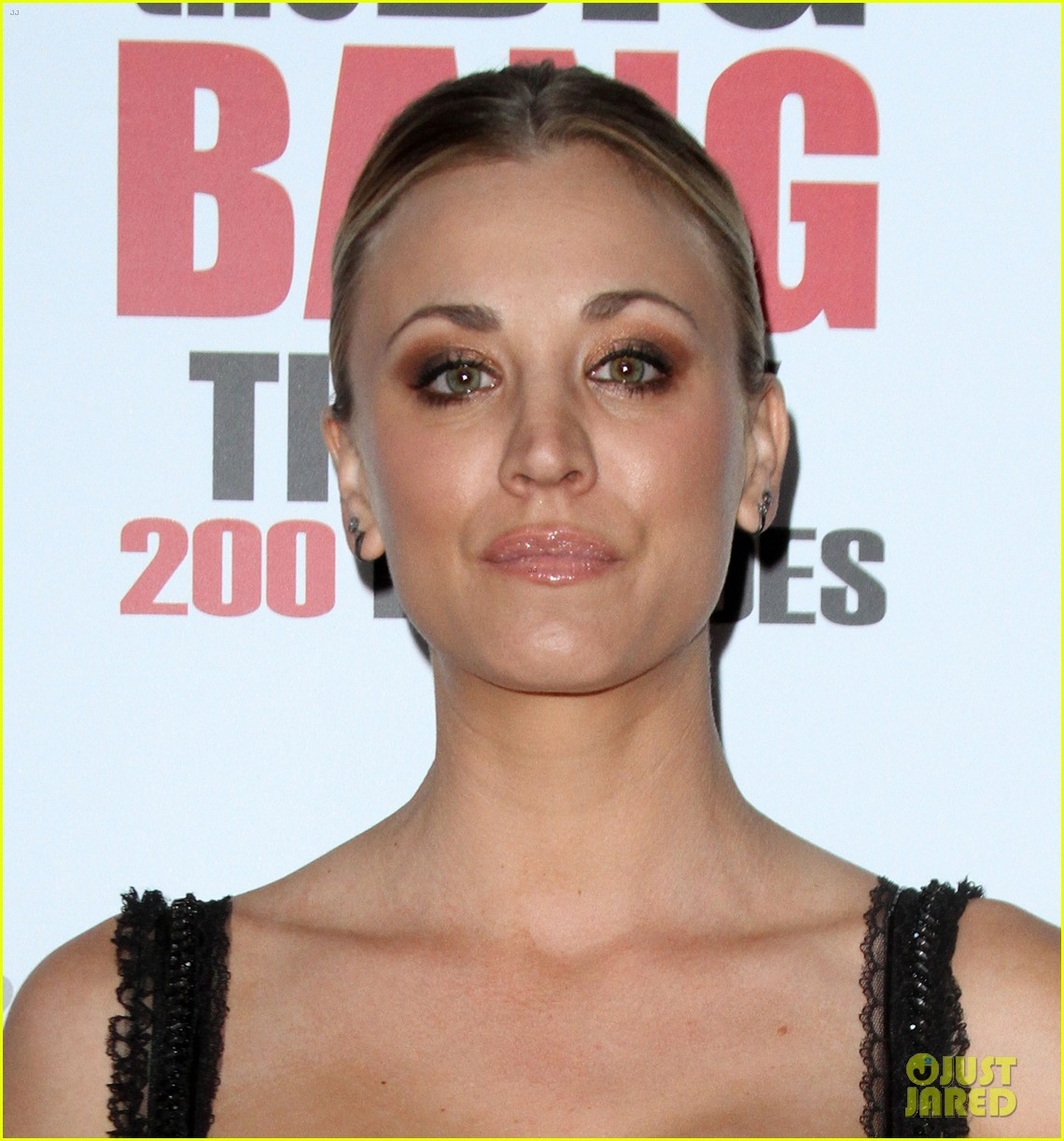 kaley cuoco big bang theory 200 episodes celebration 083584681