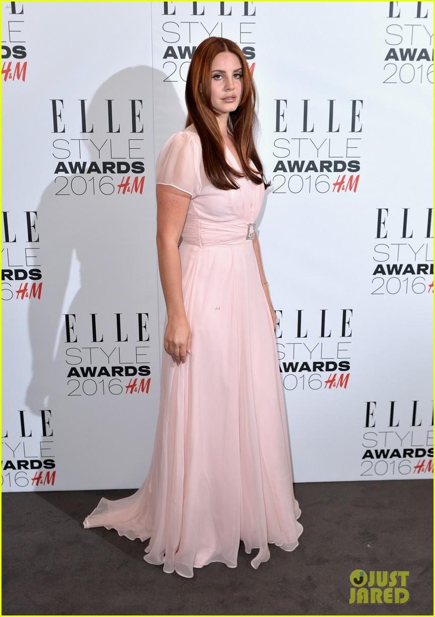 karlie kloss lana del rey win big at elle style awards 063586761