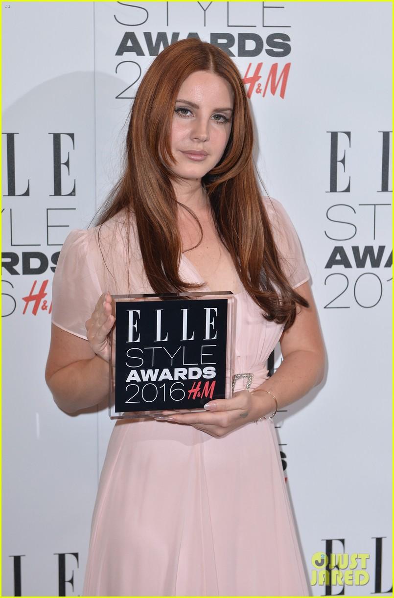karlie kloss lana del rey win big at elle style awards 233586778