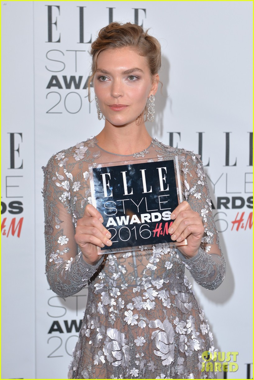 karlie kloss lana del rey win big at elle style awards 283586783
