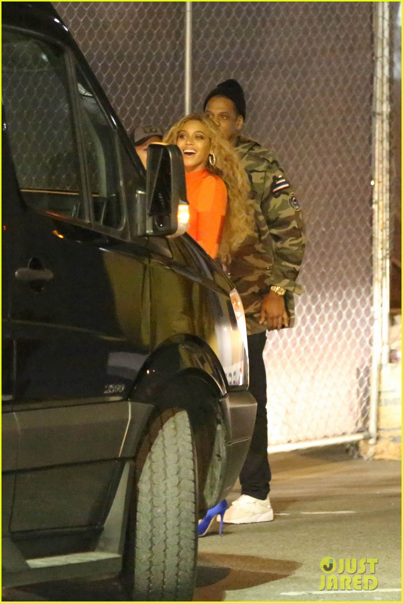 beyonce celebrates epic 2016 super bowl halftime show with jay z mother tina 063571996