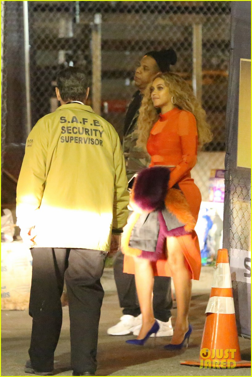 beyonce celebrates epic 2016 super bowl halftime show with jay z mother tina 103572000