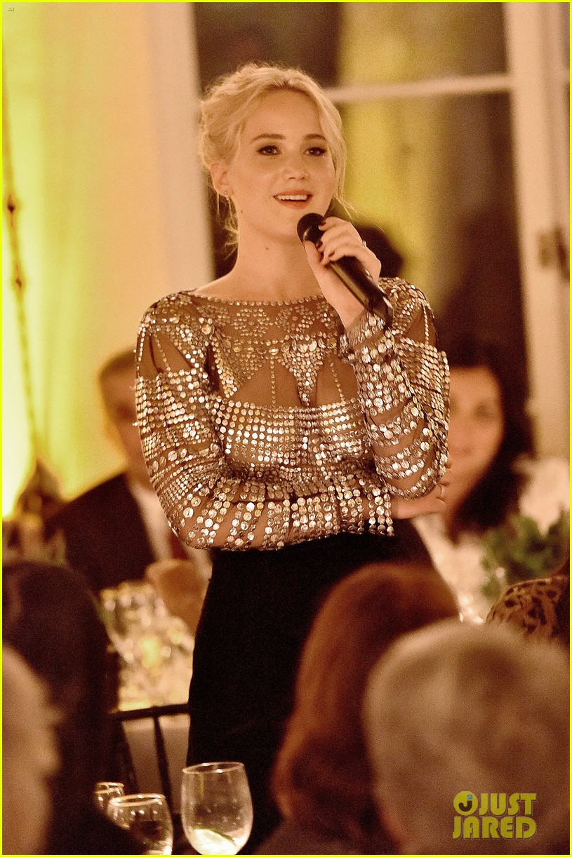 jennifer lawrence stuns at patricia arquettes dinner equality 043589364