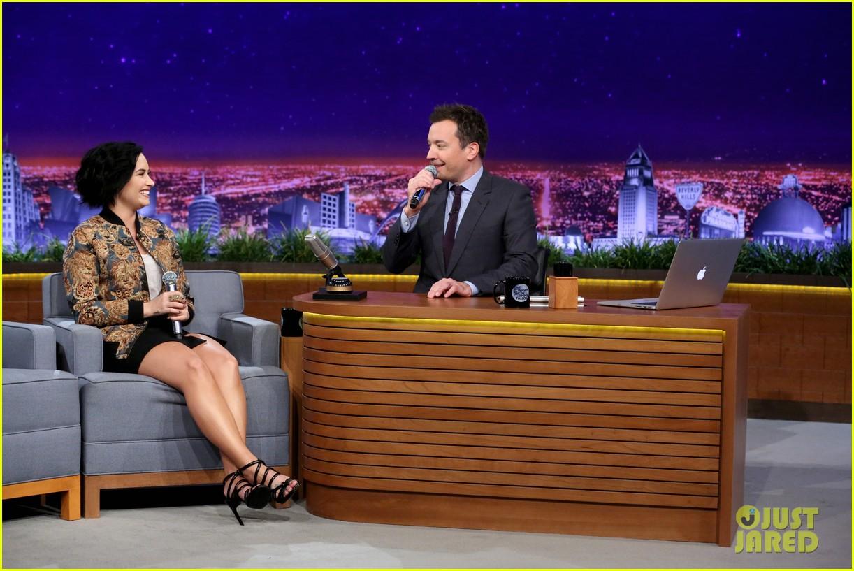 Demi Lovato Christina Aguilera Wheel Musical Impressions 04 Jimmy Fallon