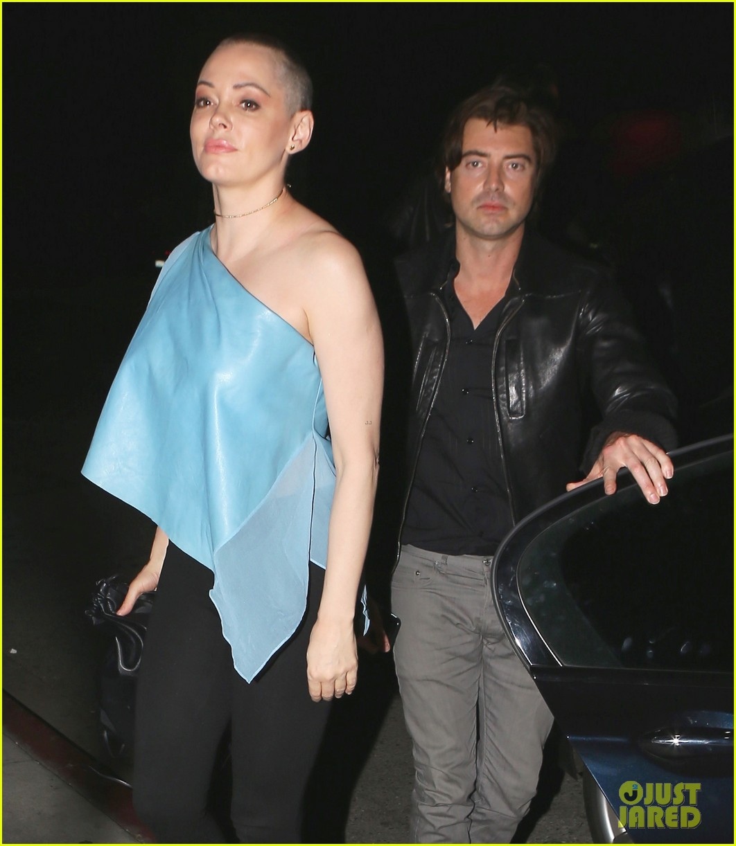 rose mcgowan hangs with pal victor kubicek after split news 103575878