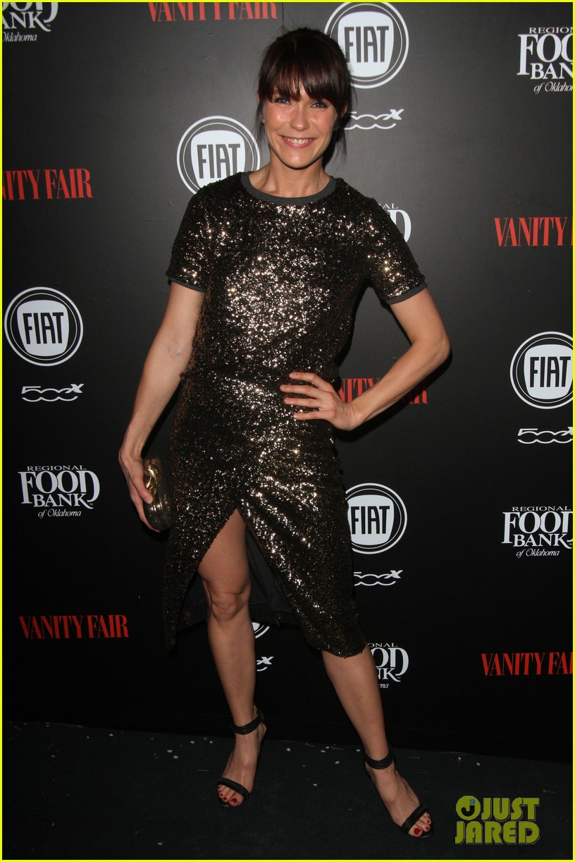 olivia munn hosts vanity fairs star studded young hollywood party 083587233