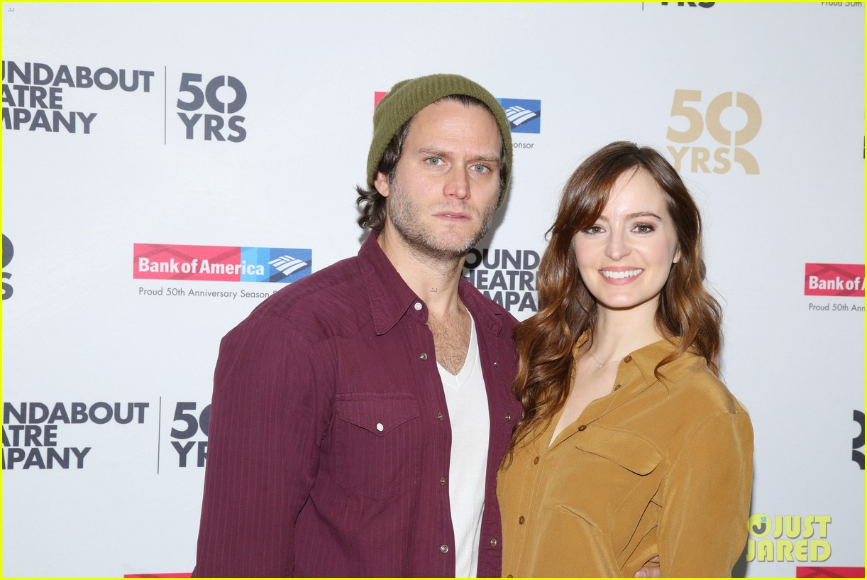 ahna oreilly thanks steven pasquale for his handsomeness 183569404