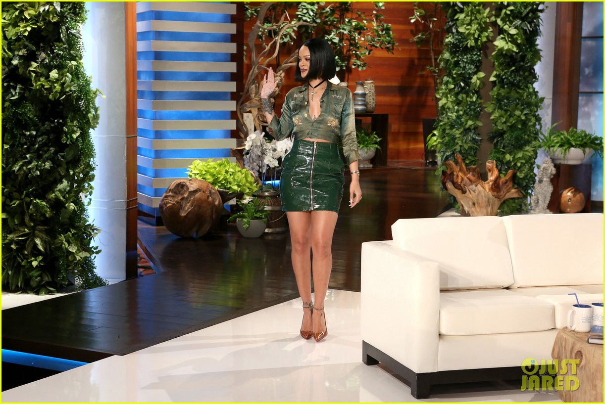 Watch George Clooney Amp Rihanna Play Never Have I Ever