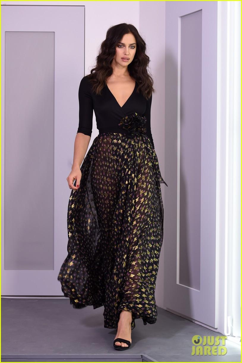 Irina Shayk Lily Aldridge Walk The Runway For Dvfs Nyfw 2016 Show
