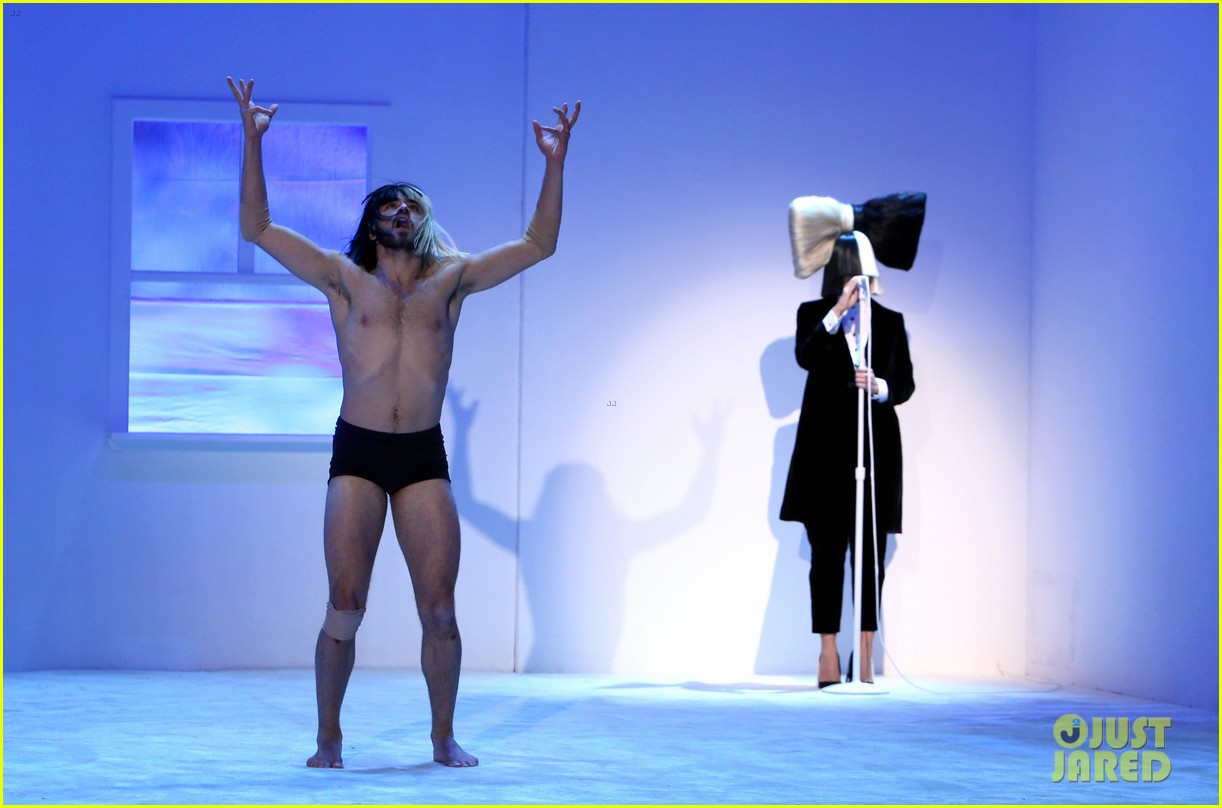 Sia talks her new rejects album this is acting on ellen sia talks her new rejects album this is acting on ellen arubaitofo Image collections