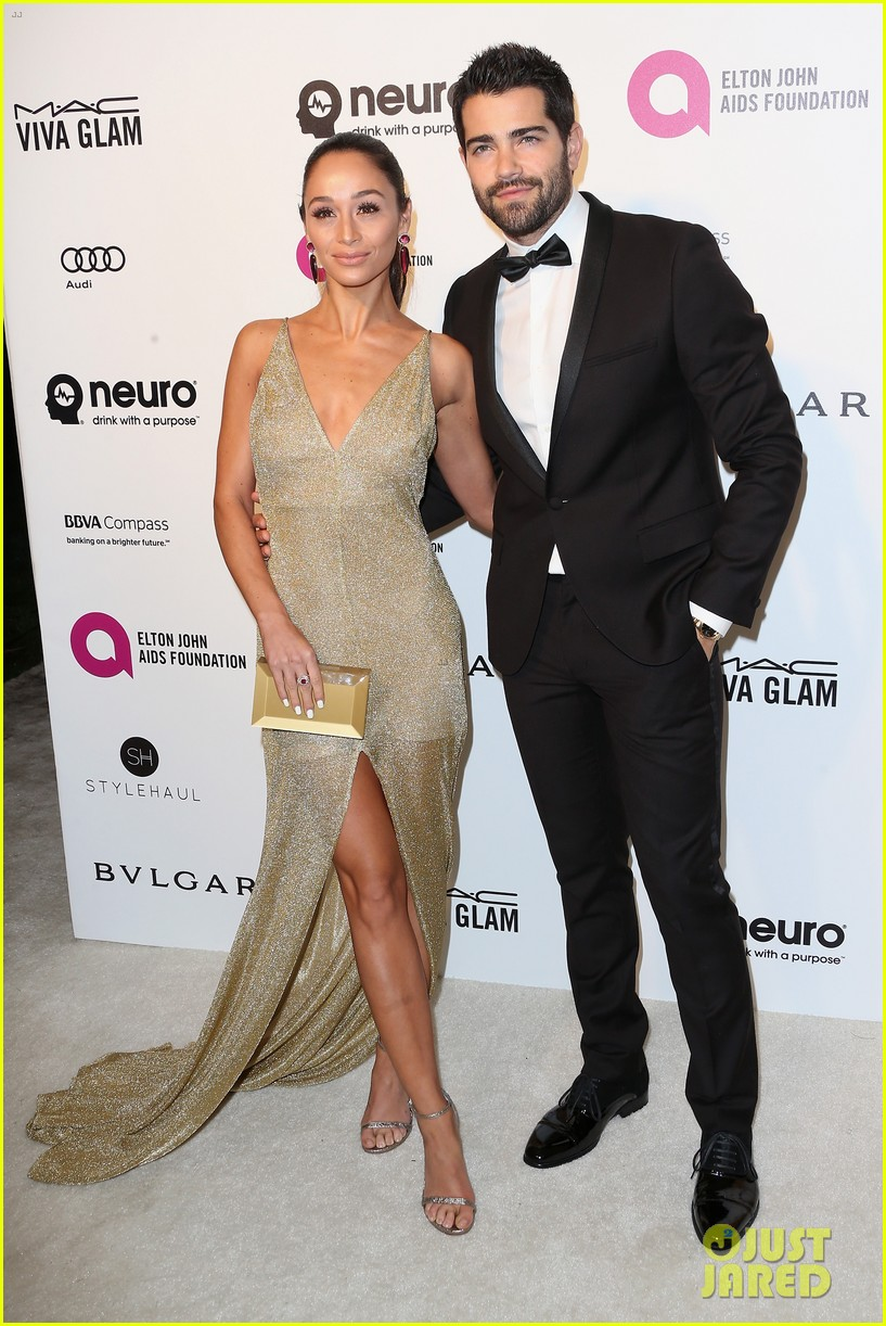 ashlee simpson evan ross couple up at elton johns oscar party 213593353