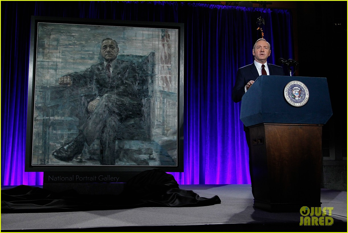 kevin spacey unveils his house of cards frank underwood presidential portrait watch here 183586344