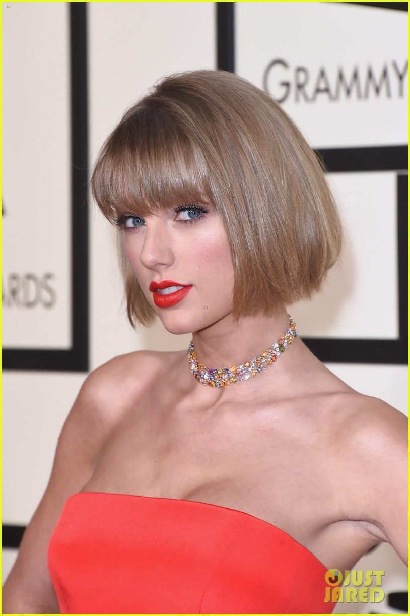 Taylor Swift Blasts Kanye West In Grammys 2016 Acceptance Speech