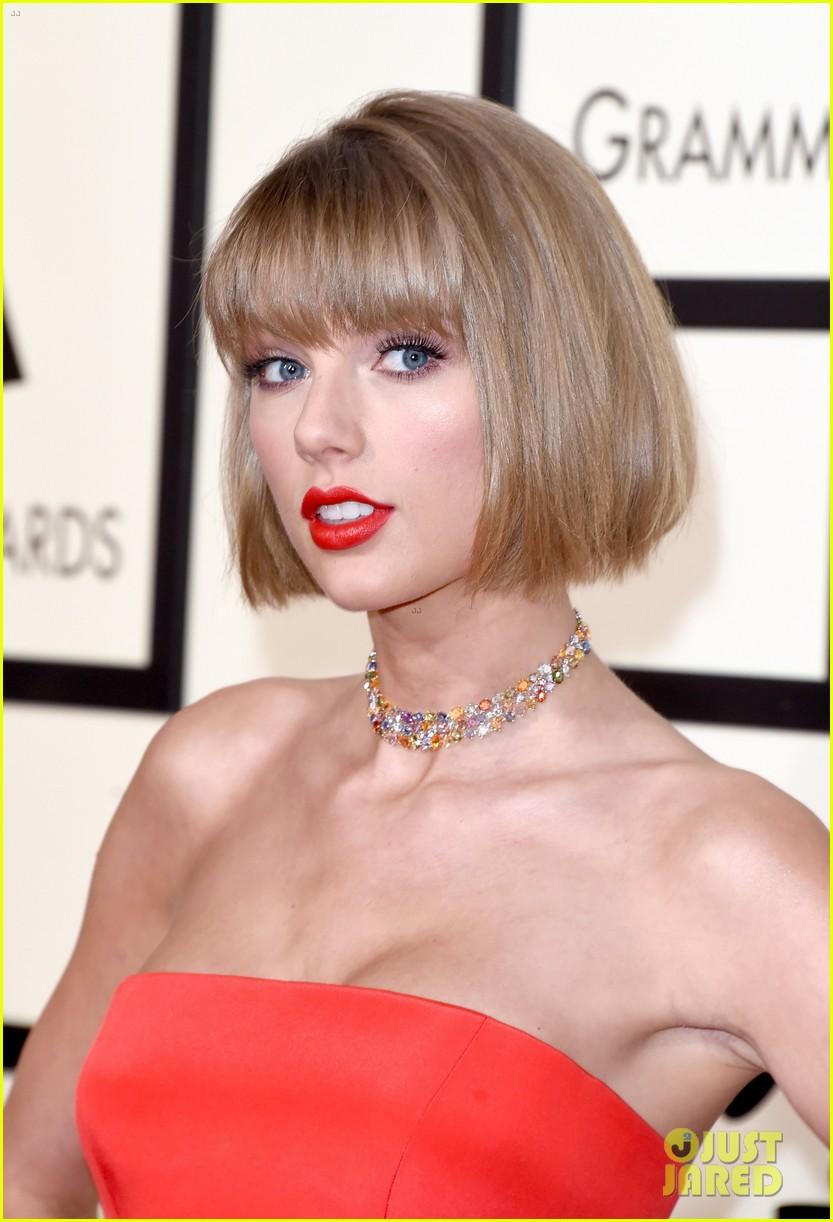 Taylor Swift Rocks Short Hair On Grammys 2016 Red Carpet
