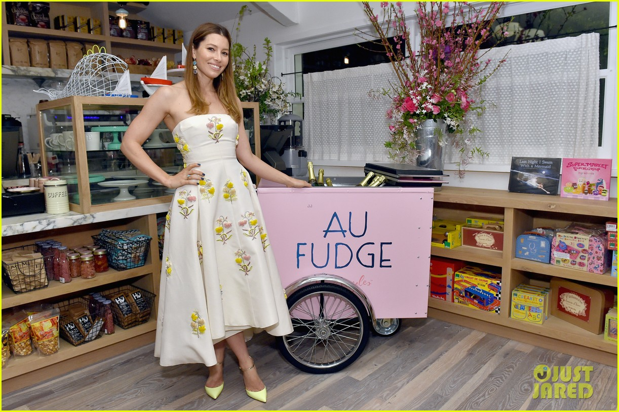 jessica biel gets star studded support at grand opening of au fudge 023595587