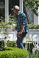blake shelton gwen stefani easter sunday at parents 21