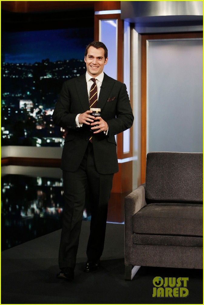 henry cavill gets into a fake fight with jimmy kimmel 033608933