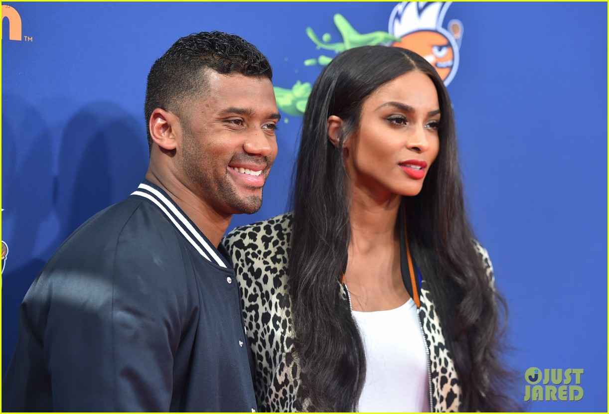 ciara is engaged to russell wilson 093603272