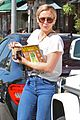 hilary duff shops then goes to airport 09