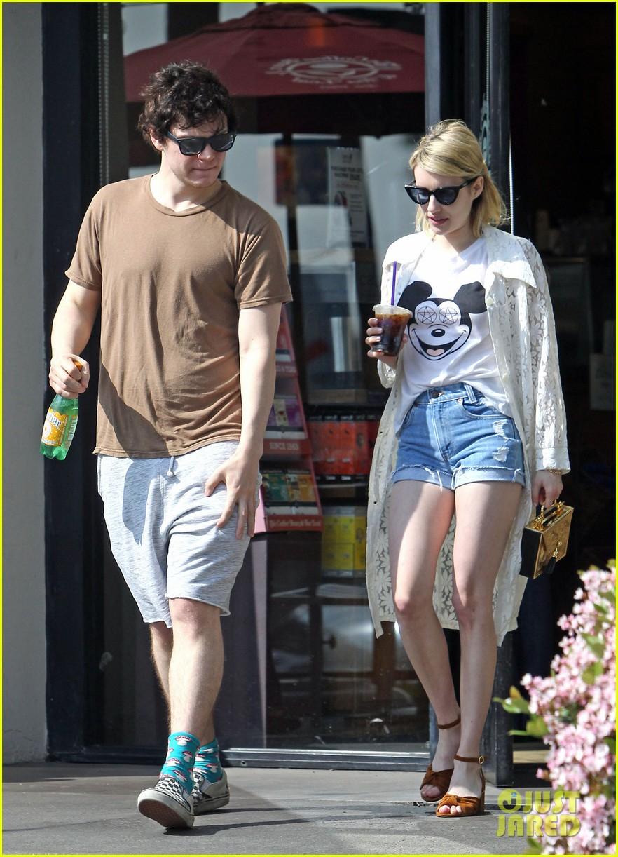 Evan peters picks up coffee with emma roberts after x men trailer evan peters picks up coffee with emma roberts after x men trailer reveal m4hsunfo