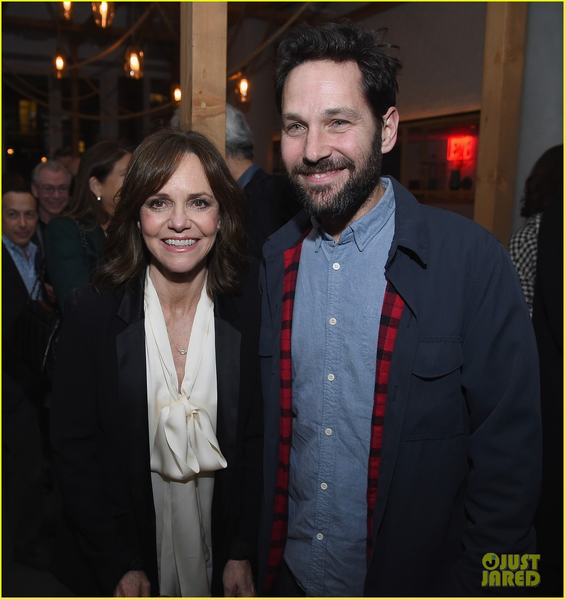 sally field max greenfield get paul rudds support at hello my name is doris 023599942