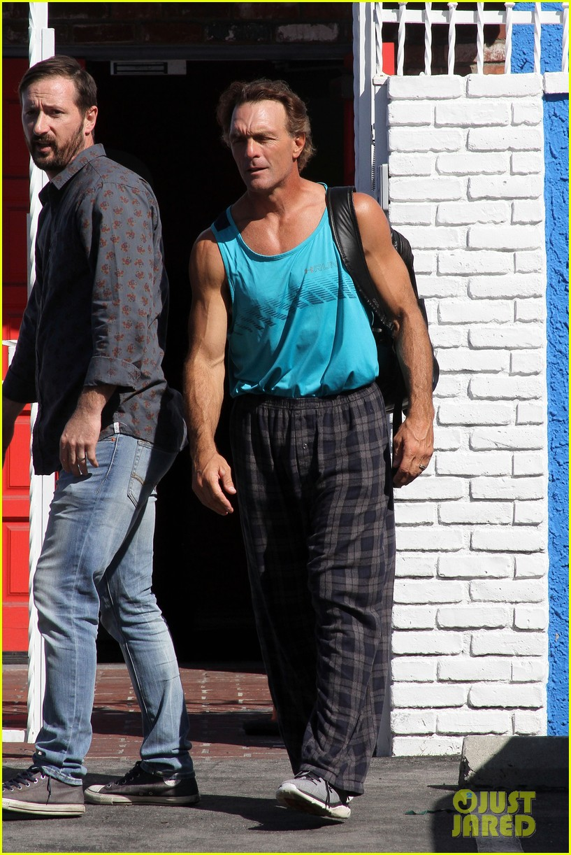 doug flutie looks ripped ahead of dwts premiere 013609357