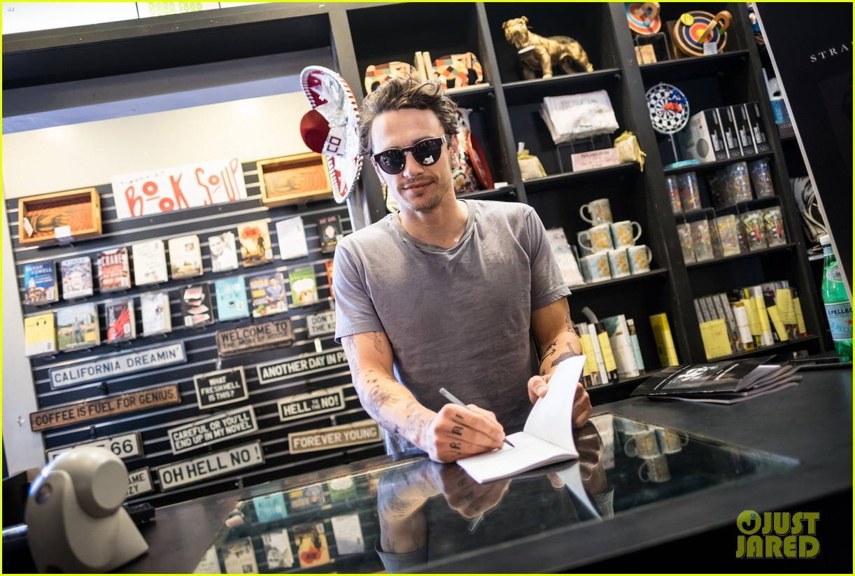 james franco book signing west hollywood 023599005