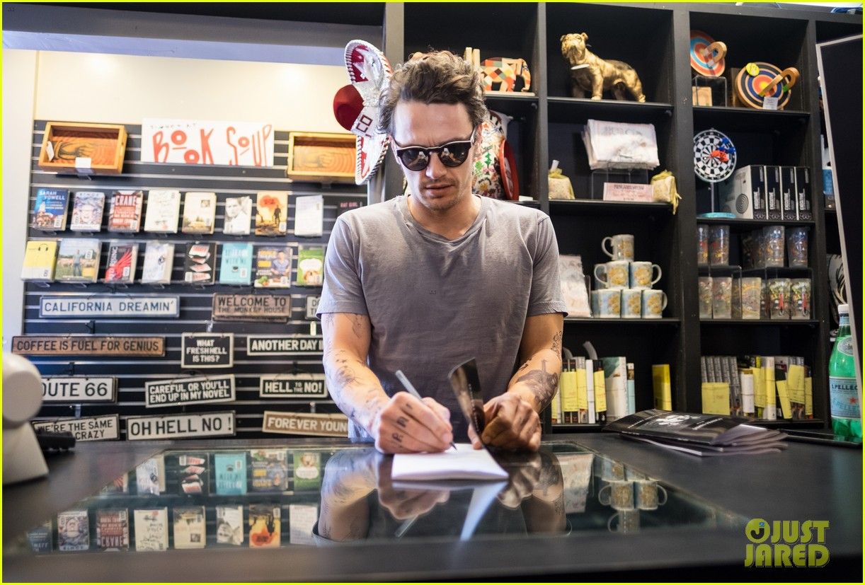 james franco book signing west hollywood 033599006