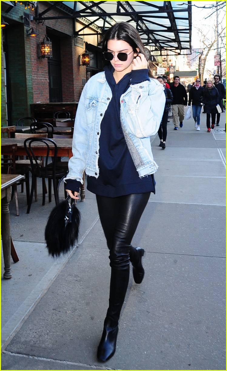 kendall jenner literal parazzi run in 133617017