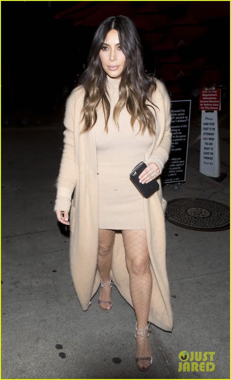 Kim Kardashian Names Pal Emily Ratajkowski Her Wcw Photo