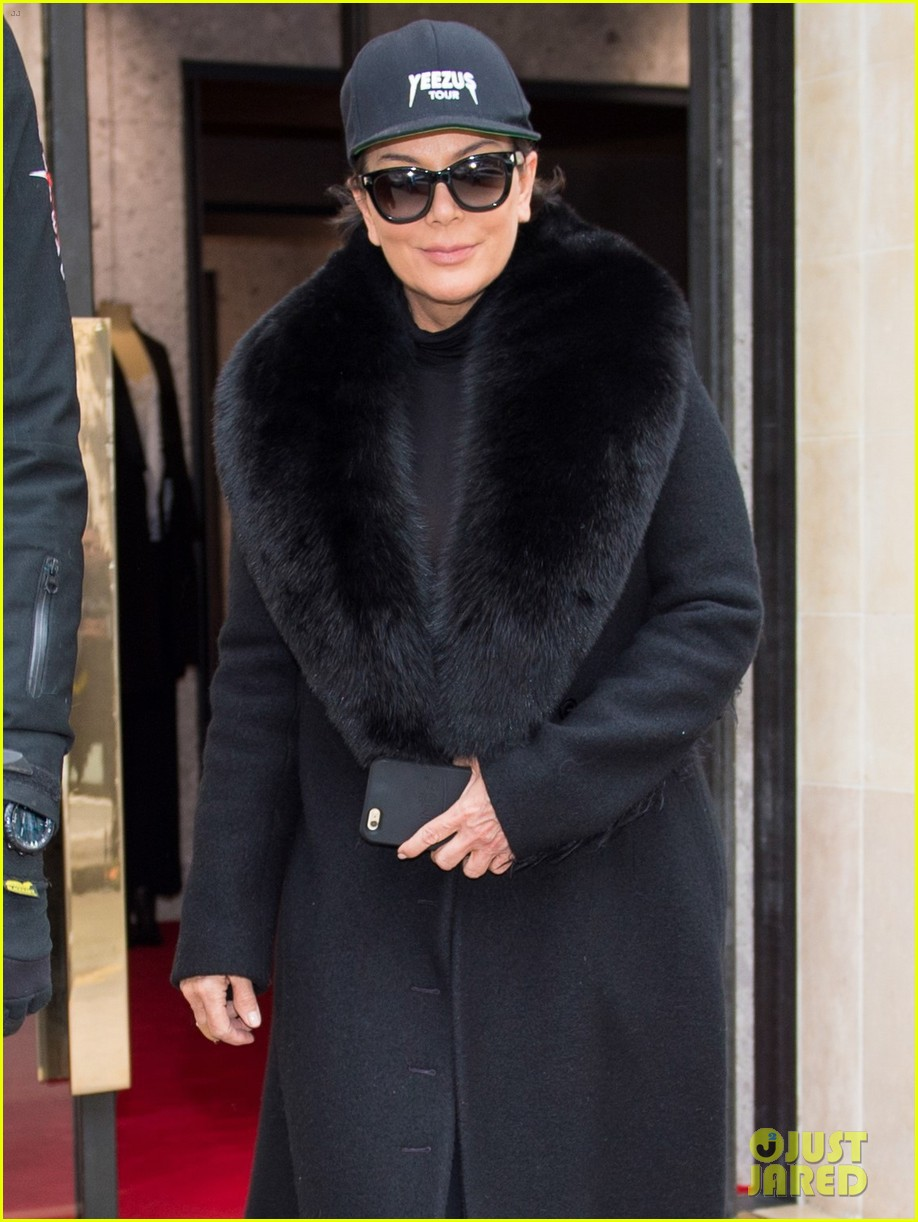 kris jenner kanye west givenchy show front row 073598849