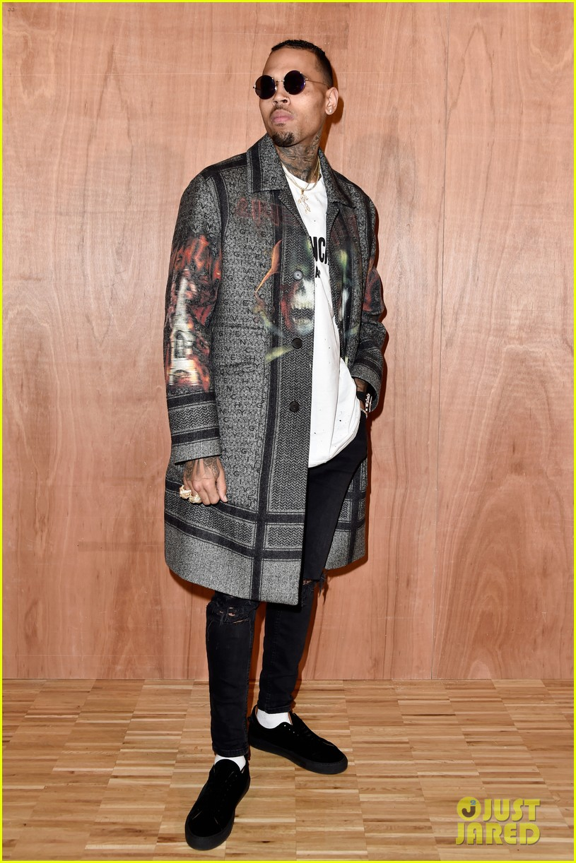 kris jenner kanye west givenchy show front row 353598877